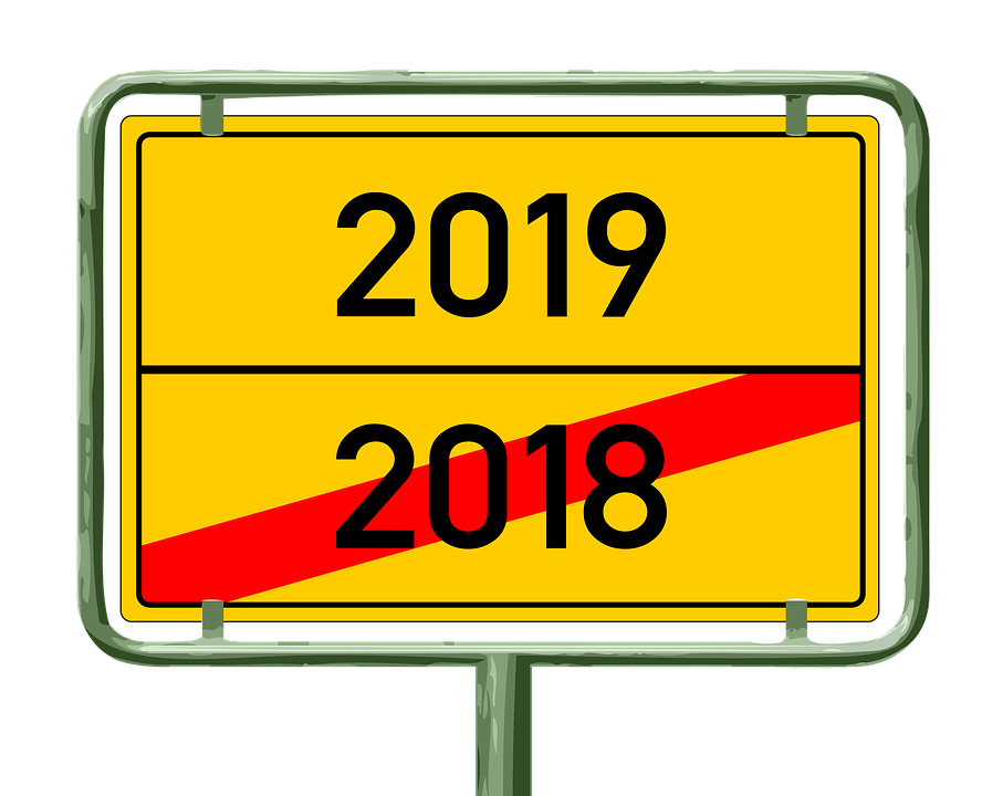 Tschüss 2018! Auf ein 2019, in dem unser Redakteur wieder bessere Witze reißt! Quelle: pixabay