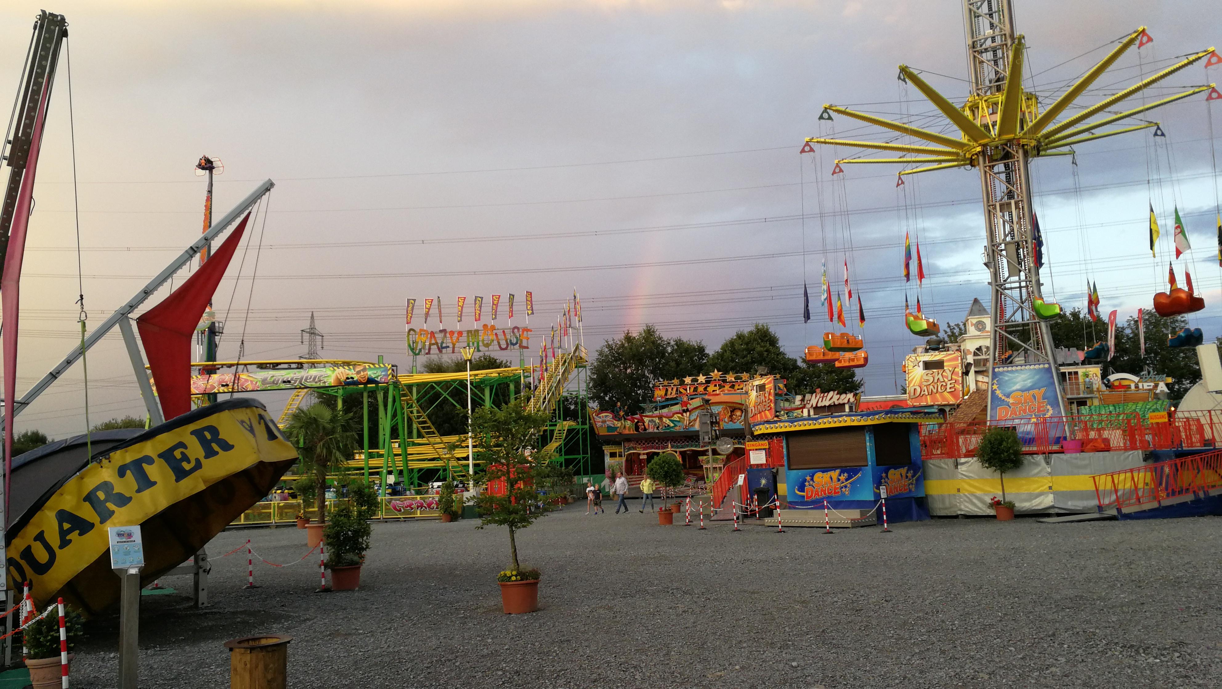 In Schloss Neuhaus wartet der Tivoli Freizeitpark auf große und kleine Besucher. Foto: msc
